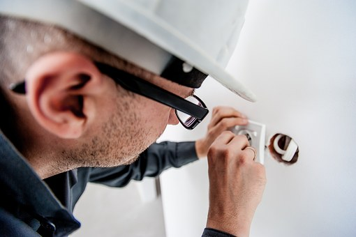electrician-1080554__340